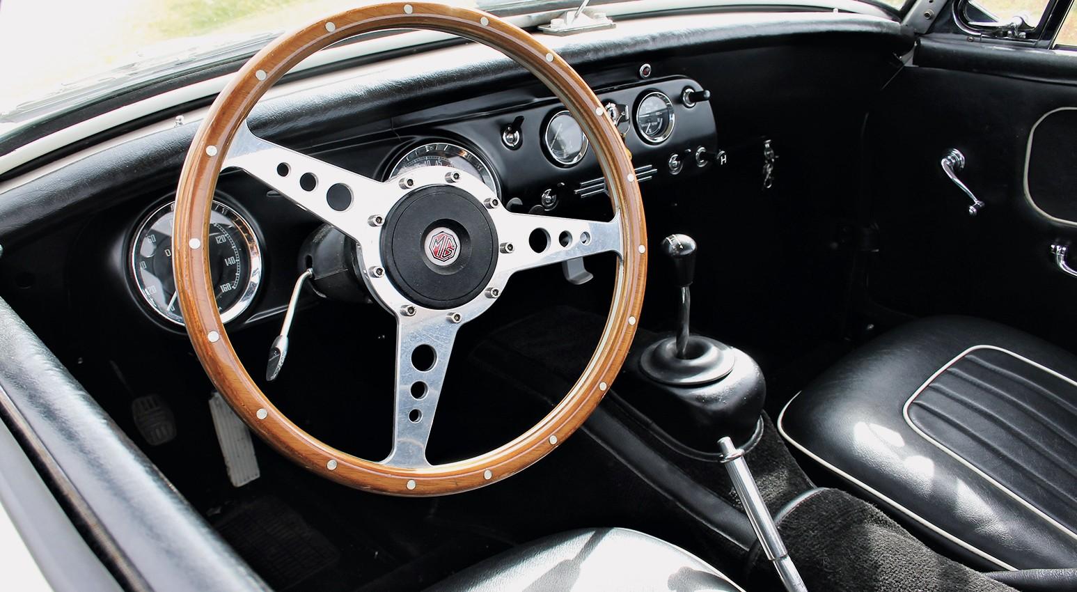 RetroRacing - Intérieur MG MIDGET 1969